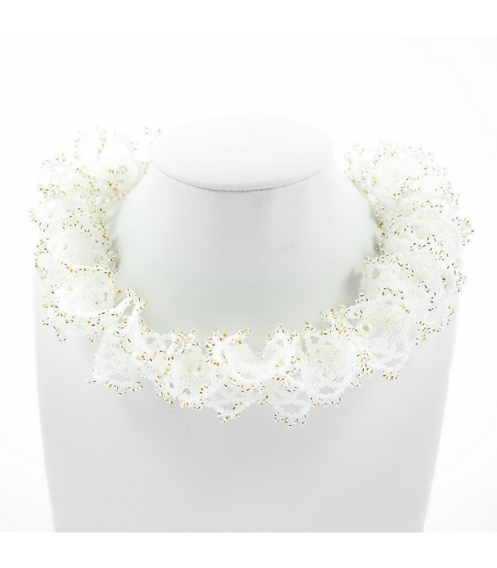 2c88240ac Korálky Janka náhrdelník stříbrnobílá oglala