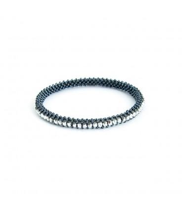Korálky Janka náramek černý kruh se stříbrnými ohňovkami