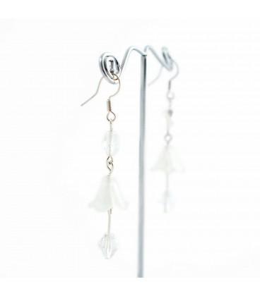 Korálky Janka náušnice bílé zvonečky s háčkem